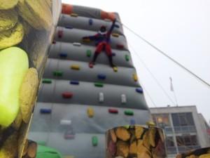 klimpiet laat jou klimmen 9 meter hoog!